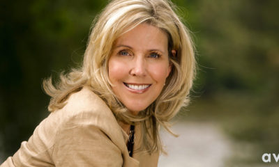 New York Times Bestselling Author Lori Nelson Spielman joins the Avon family!